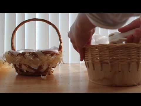 Flower girl basket decoracion de canasta youtube - Como pintar un cesto de mimbre ...