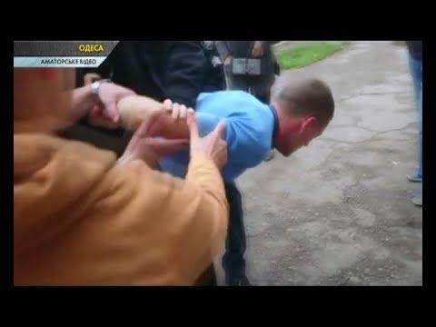 ЧП.INFO: В Одесі перехожі не дозволяли поліції затримати порушника дорожніх правил