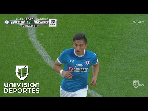 Ángel Mena hizo un gol impensable de tiro libre para el 1-1 de Cruz Azul