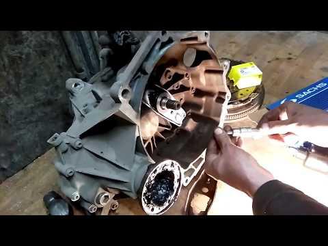 """""""ГТ"""" Skoda Octavia A5 1.6 Замена сцепления, заднего сальника коленвала, пыльника внутреннего ШРУСа."""