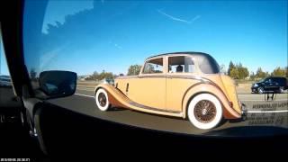МАШИНА 1930-Х едeт 100 КМ/Ч по скоростной трассе в Калифорнии