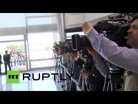 Brazil: Putin shakes hands with Dilma ahead of BRICS summit