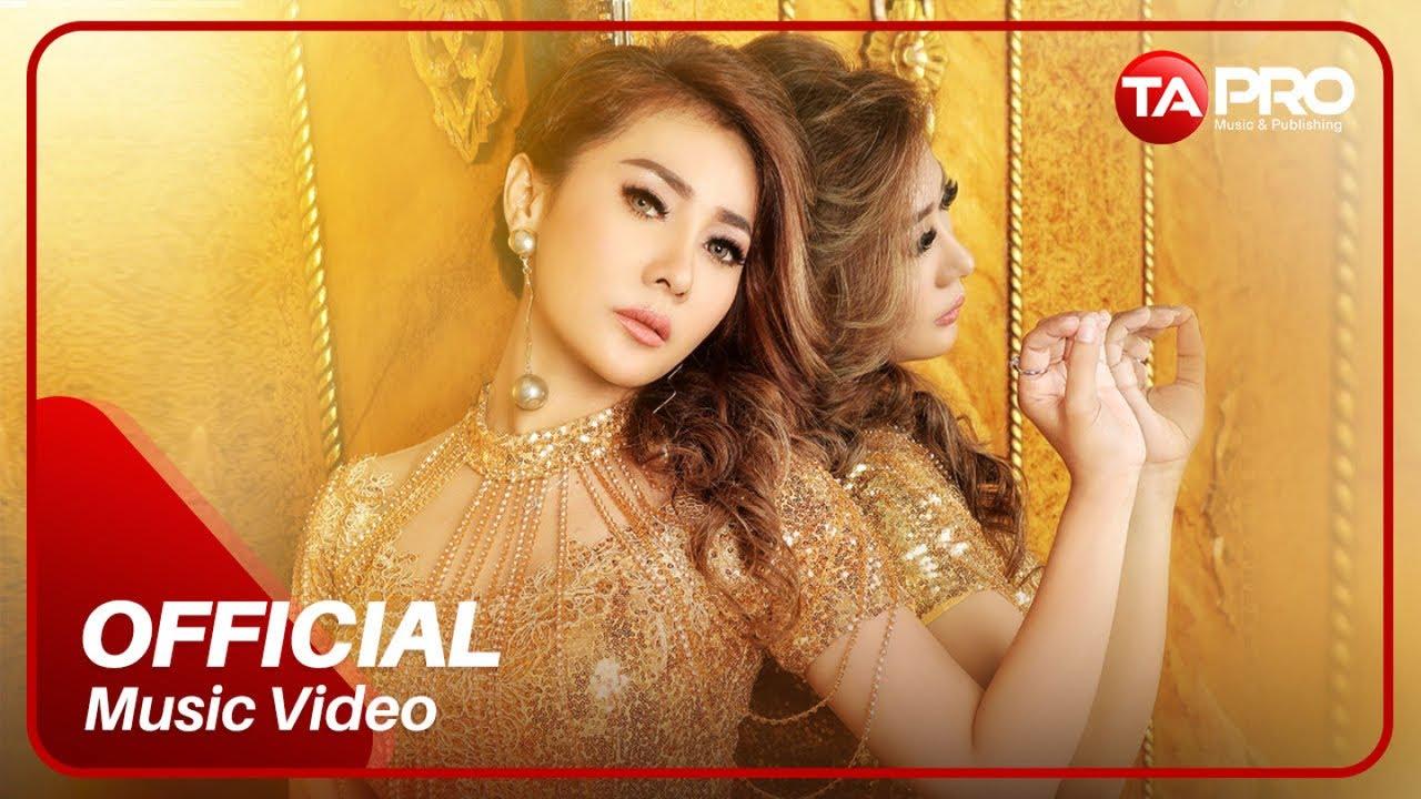 Jia Laura - Bukan Bucin - Official Music Video