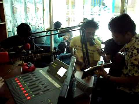 Karon N Roll - Purple Fairy (Live and Accoustic version)