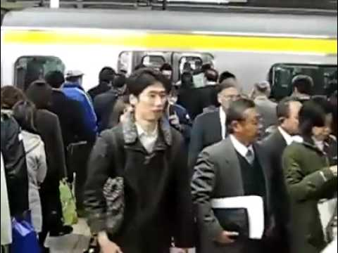 Лапают прямо в метро фото 221-708