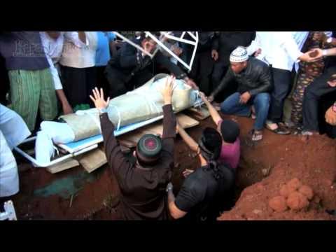 Detik-Detik Pemakaman A Rafiq