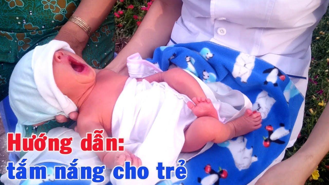 Kết quả hình ảnh cho cách tắm nắng cho trẻ sơ sinh