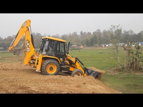 JCB Dozer Collecting Mud and Leveling Ground - JCB Working Video