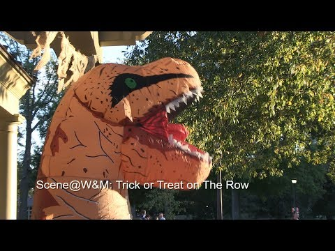 Scene@W&M: Trick or Treat on The Row