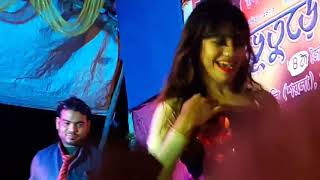 Laila Main Laila...song.... Hot & sexy dance......