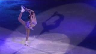 「アート・オン・アイス」2011。 チューリヒ公演の荒川静香のパフォーマ...