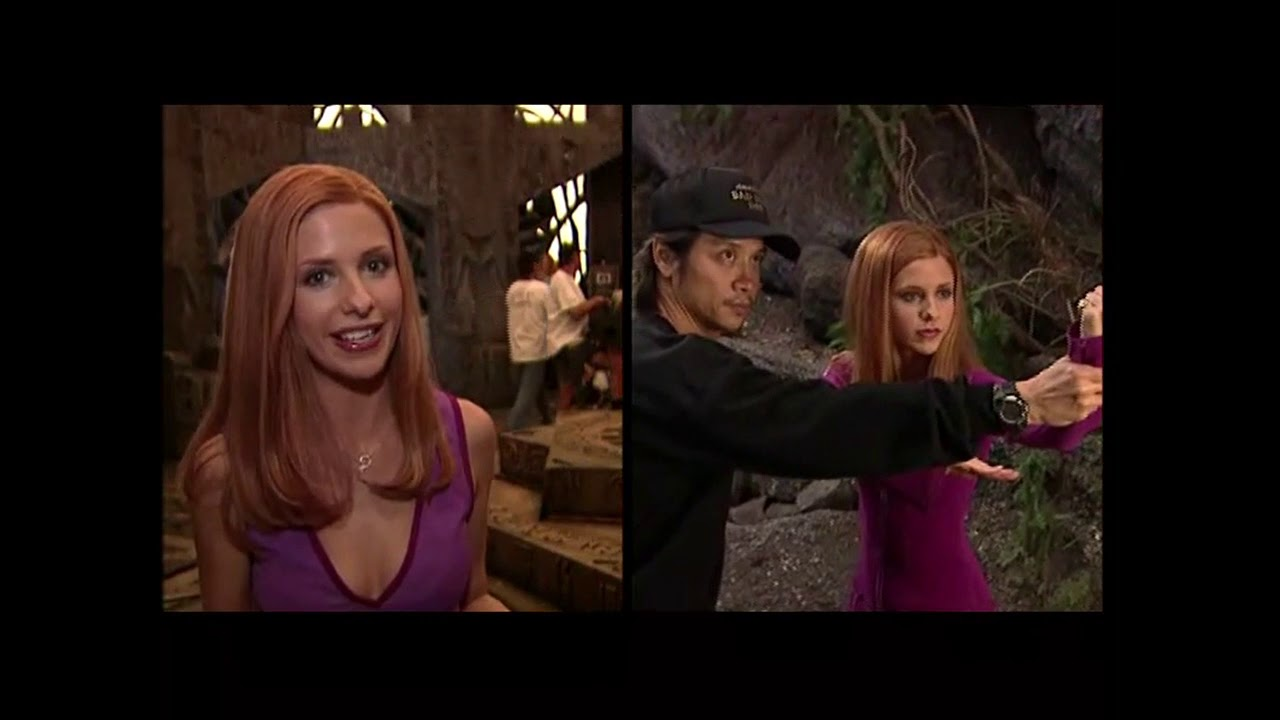 Scooby 2002 Behind The Scenes Of Daphne S Fight Youtube