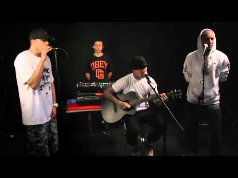 Bliss n Eso Perform My Life (Acoustic)