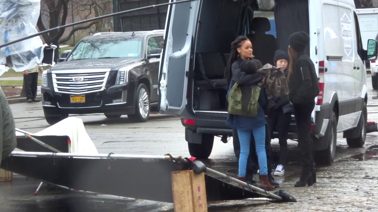 Rihanna and Sandra Bullock film scenes for Oceans 8 in Central Park