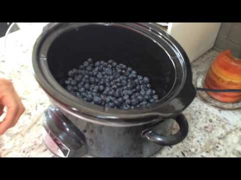 Slow Cooker Blueberry Crumble