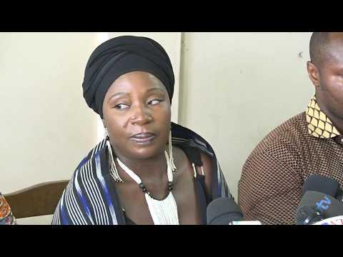 """[REPLAY] Revivez la conférence de presse du mouvement """"Y en marre """" sur l'expulsion de Kémi SEBA"""