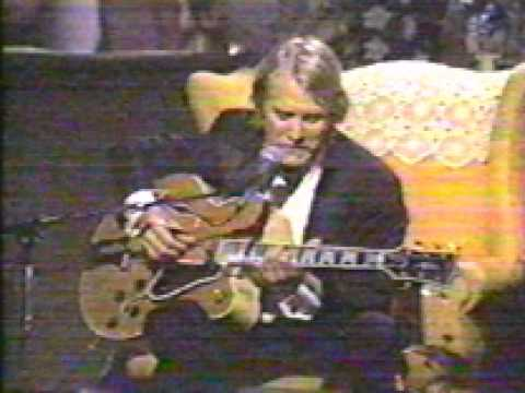 Martin Mull - Humming Song (Very Funny)