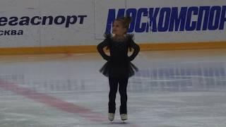 Соревнования по фигурному катанию. Василиса Рожкова, 5 лет, 1 место!