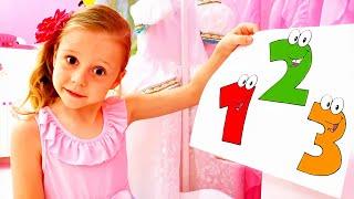 Nastya aprende a contar hasta 10 y alfabetos en inglés