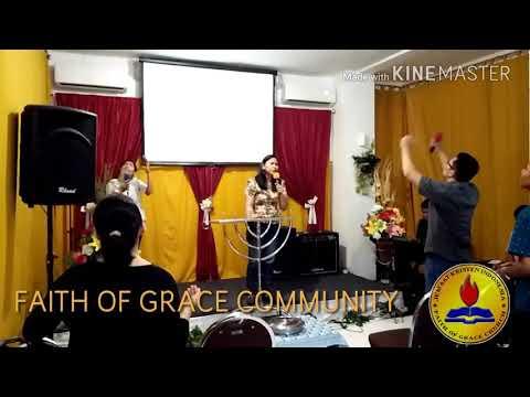 Faith Of Grace Worship - Kutinggikan Engkau Raja