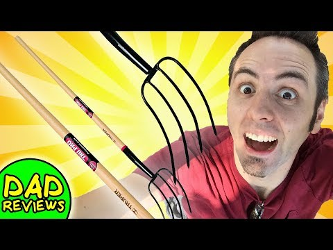 BEST PITCHFORK FOR MULCH | Long Handle 4-Tine Garden Fork Review