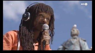 Amina Sewali - Opp med haka