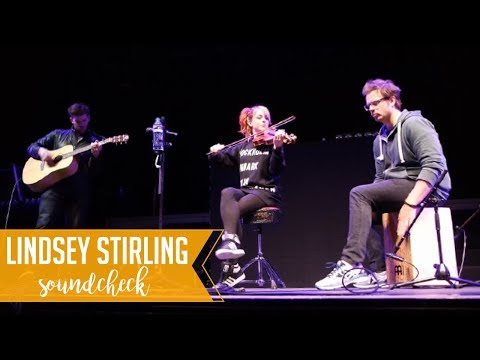 Lindsey Stirling plays Hallelujah / Tilburg, The Netherlands, 17/3/2017