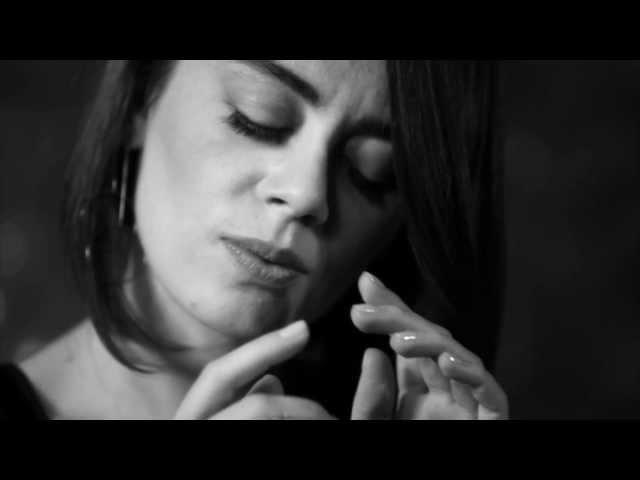 Demet Evgar-Farketmeden(OFFICIAL VIDEO)