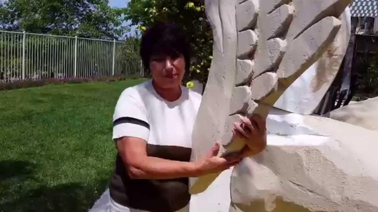 Мама Вера (73 года) делает грифона для фильма