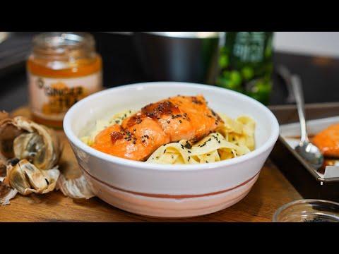 recette-saumon-test-d'ingrédients-coreens-(ail-noir,-jus-de-prune,-gelée-de-gingembre...)