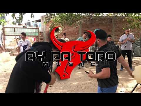 La Cumbia del Huachicolero - Roberto Junior Y Su Bandeño
