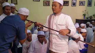 Video Hadiah dari Habibana Cium Tongkat Habib Abdullah bin Muhsin allathas ( Habib Keramat empang Bogor ) download MP3, 3GP, MP4, WEBM, AVI, FLV November 2018