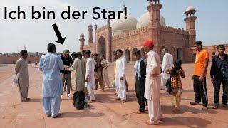 Willkommen in Pakistan - Wir sind hier die Stars! Badshahi Mosque, Couchsurfing & SIM besorgen!