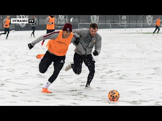 Trainingsauftakt bei Schneegestöber