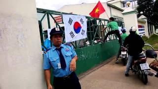 Repeat youtube video Vụ bạo động tại Bình Dương chống Trung Quôc của các công nhân ở KCN Sóng Thần 2