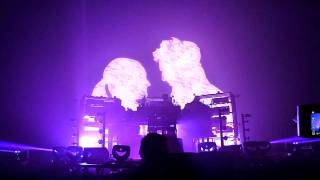 The Chemical Brothers - Swoon + Swoon Arpeggios + Star Guitar (Live in Taipei, Taiwan Jul 26, 2011)