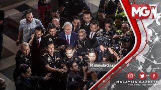 TERKINI : Najib Senyum, Tenang ke Kandang Tertuduh