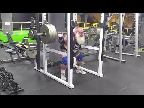 Santa is Squatting for Christmas    ViralHog
