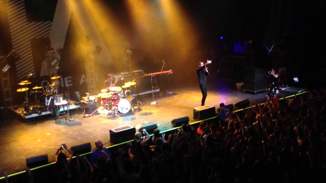 g-eazy live- hang ten- house of blues,boston. 4-10-13 (crowd surf