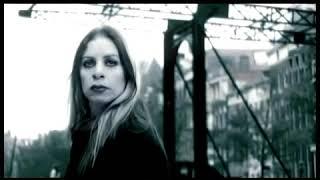 Zeynep Casalini - Amacım Yok (Official Video)