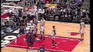 Charles Oakley rebound jam - NYKnicks