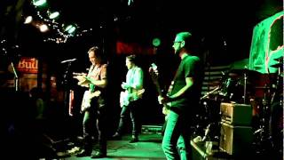 """Mike Dunn & The Kings of New England """"Cigarettes"""" Live 2011"""