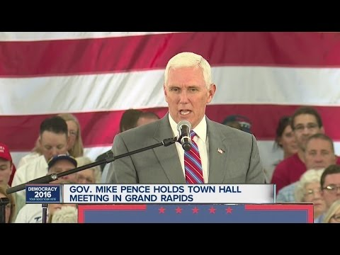 Pence speaks in Grand Rapids