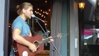 "Braderie Ermelo 2019 ,Café Binnen ""Wicked Game"" (Chris Isaak) met Thomas Acoustic Koffers. 13 Aug."
