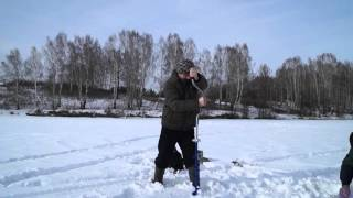Ледобур Тонар могёт (небольшой видеообзор)