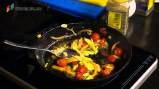 Готовим судака с овощным соте и пюре со шпинатом