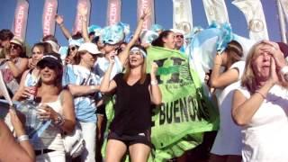 Mirá el aliento de la hinchada argentina a Las Leoncitas