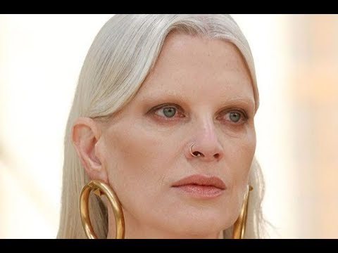 I capelli bianchi e i riflessi argentati sono la nuova tendenza  addio alle  tinte! 0932f3b2bb64