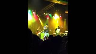 Robert Glasper ft. Yasiin Bey- Black Radio (Live)