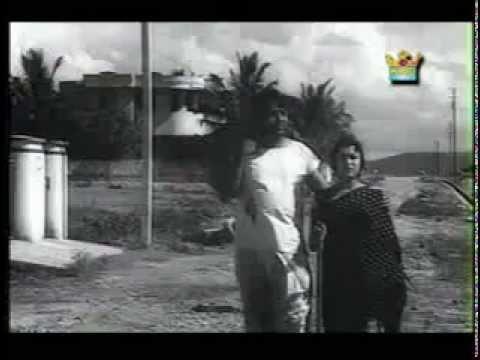 Neenelli Nadeve Doora - Onde Balliya Hoogalu (1967) - Kannada
